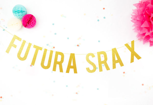 """Guirnalda """"Futura Sra X"""""""